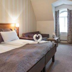 Отель Karl Johan Hotell 3* Стандартный семейный номер с двуспальной кроватью
