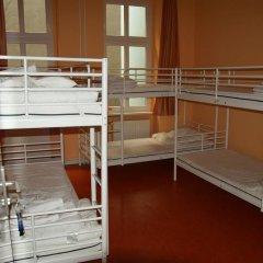 Happy Go Lucky Hotel + Hostel Кровать в общем номере фото 5