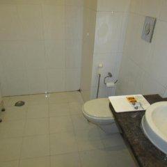 Отель Airport Hotel Venus Индия, Нью-Дели - отзывы, цены и фото номеров - забронировать отель Airport Hotel Venus онлайн ванная фото 2