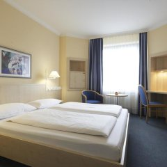 Отель IntercityHotel Nürnberg 3* Стандартный номер с двуспальной кроватью