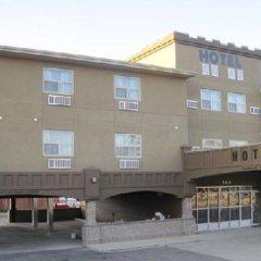Отель Super 8 Saskatoon West парковка