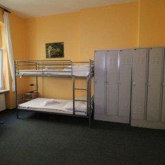 Happy Go Lucky Hotel + Hostel Кровать в общем номере фото 10