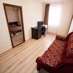 Гостиница Робинзон 2* Стандартный семейный номер с двуспальной кроватью фото 3