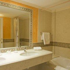 Отель Restaurant Palais Cardinal Франция, Сент-Эмильон - отзывы, цены и фото номеров - забронировать отель Restaurant Palais Cardinal онлайн ванная