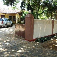 Отель 4 U Шри-Ланка, Тиссамахарама - отзывы, цены и фото номеров - забронировать отель 4 U онлайн парковка