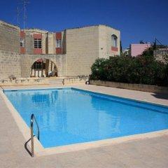 Отель Domus Luxuria - Mediterraneo Нашшар бассейн