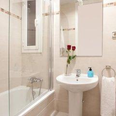 Отель Whatching Sagrada Familia Барселона ванная фото 2