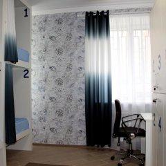 Хостел Friday Кровать в мужском общем номере с двухъярусными кроватями фото 10
