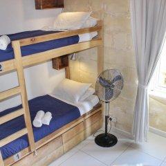 Two Pillows Boutique Hostel Кровать в общем номере с двухъярусной кроватью фото 4