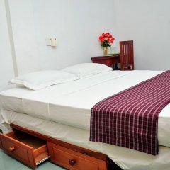 Night Station Hotel комната для гостей