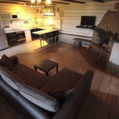 Гостиница Chalet with Fireplace for Family Vacation комната для гостей фото 2