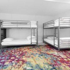 HighRoad Hostel DC Кровать в женском общем номере с двухъярусной кроватью фото 9