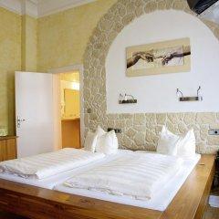 Hotel Deutsches Haus 3* Улучшенный номер с двуспальной кроватью фото 3