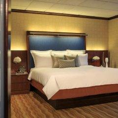 Renaissance New York Times Square Hotel 4* Представительский люкс с различными типами кроватей