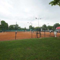Отель Sivino's Resort Манерба-дель-Гарда спортивное сооружение