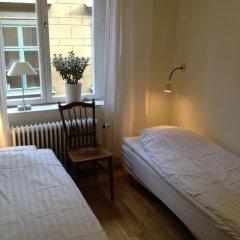 Отель Old Town Lodge Стандартный номер с 2 отдельными кроватями (общая ванная комната)