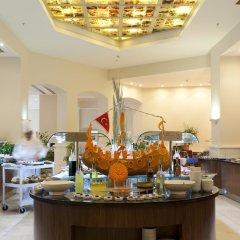 Отель Queen's Park Turkiz Kemer - All Inclusive питание фото 2