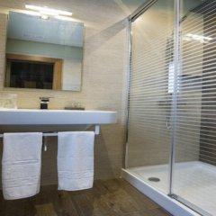 Отель Hostal Ferreira Испания, Кониль-де-ла-Фронтера - отзывы, цены и фото номеров - забронировать отель Hostal Ferreira онлайн ванная фото 2