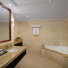 Mövenpick Hotel Bur Dubai 5* Улучшенный номер с различными типами кроватей фото 3