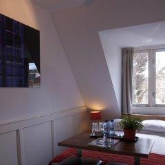 Lange Jan Hotel 2* Номер с общей ванной комнатой с различными типами кроватей (общая ванная комната) фото 2