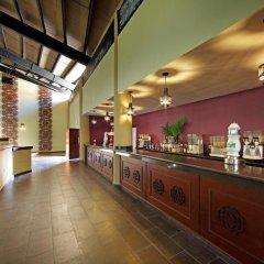 Отель The Royal Suites Turquesa by Palladium - Только для взрослых гостиничный бар