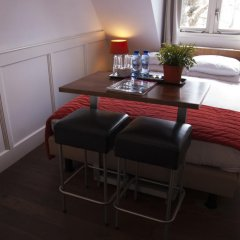 Lange Jan Hotel 2* Номер с общей ванной комнатой с различными типами кроватей (общая ванная комната)
