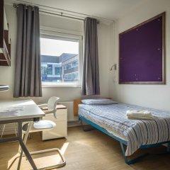 Отель LSE Carr-Saunders Hall 2* Стандартный номер с различными типами кроватей (общая ванная комната) фото 4