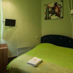 Хостел Хабаровск B&B Стандартный номер с двуспальной кроватью (общая ванная комната)