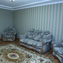 Апартаменты Apartment M. Zhukova комната для гостей фото 3