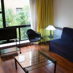 Отель Apartamentos Descartes Барселона комната для гостей фото 4