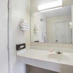 Отель Super 8 by Wyndham Manning 2* Стандартный номер с 2 отдельными кроватями фото 5