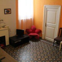 Отель B&B Comfort Стандартный семейный номер с двуспальной кроватью (общая ванная комната) фото 5