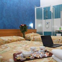 Hotel Brasil Milan Стандартный номер с различными типами кроватей (общая ванная комната) фото 7