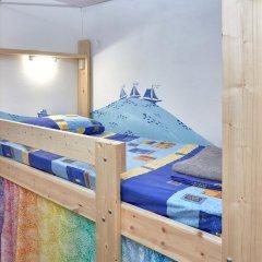 Хостел В центре Кровать в общем номере фото 14