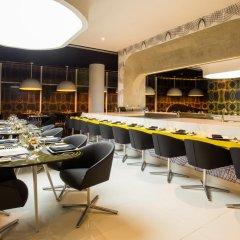 Отель Temptation Cancun Resort - Adults Only гостиничный бар фото 5