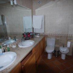 Отель Luxury Townhouse in Praia D'El Rey ванная фото 2