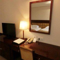 Baiyun Hotel Guangzhou 4* Номер Бизнес с различными типами кроватей фото 4