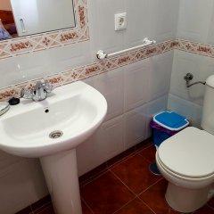 Отель Hostal Sanvi Испания, Херес-де-ла-Фронтера - отзывы, цены и фото номеров - забронировать отель Hostal Sanvi онлайн ванная