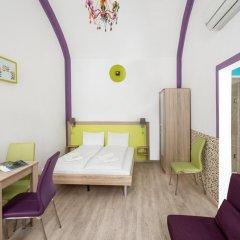 Отель Amber Gardenview Studios Студия с различными типами кроватей фото 8