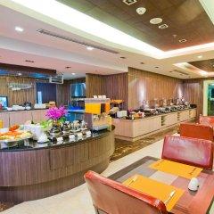 Отель Kingston Suites Bangkok питание фото 2