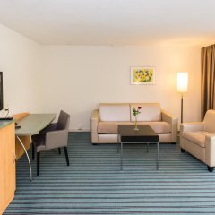 Apart-Hotel operated by Hilton комната для гостей фото 4