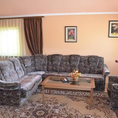 Отель Клубный Отель Флагман Кыргызстан, Бишкек - отзывы, цены и фото номеров - забронировать отель Клубный Отель Флагман онлайн комната для гостей фото 3