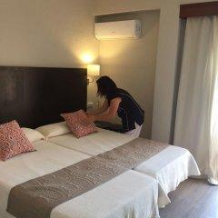 Отель Hostal Jakiton Улучшенный номер с различными типами кроватей фото 11