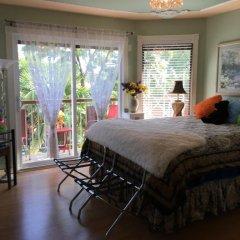 Отель Diana's Luxury Bed and Breakfast Канада, Ванкувер - отзывы, цены и фото номеров - забронировать отель Diana's Luxury Bed and Breakfast онлайн комната для гостей фото 4