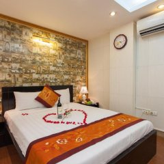 Hanoi Rendezvous Boutique Hotel 3* Стандартный семейный номер с различными типами кроватей фото 5