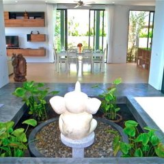 Отель Baan Bua Nai Harn 3 bedrooms Villa бассейн