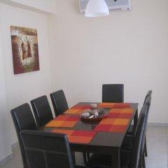 Отель Polyxenia Isaak Villa 30 Кипр, Протарас - отзывы, цены и фото номеров - забронировать отель Polyxenia Isaak Villa 30 онлайн питание