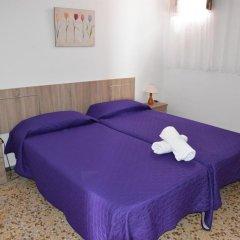 Отель Pensión Eva Стандартный номер с 2 отдельными кроватями (общая ванная комната) фото 6