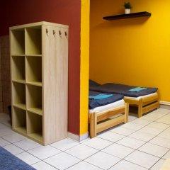 Хостел Seven Prague Номер с общей ванной комнатой с различными типами кроватей (общая ванная комната) фото 33