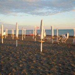 Отель Il Portoncino Verde Италия, Лидо-ди-Остия - отзывы, цены и фото номеров - забронировать отель Il Portoncino Verde онлайн пляж